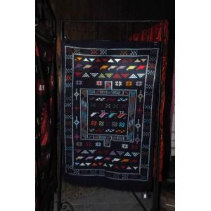 Tapis bleu traditionnel